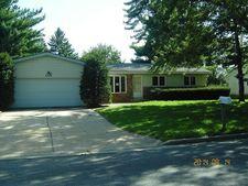 4525 Jenewein Rd, Fitchburg, WI 53711