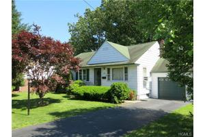115 Washington Ave, Tappan, NY 10983