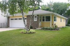 58 Clover Dr, Crystal Lake, IL 60014