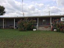 725 W Lake Dr, Robert Lee, TX 76945