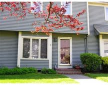 20 Deer Path Apt 2, Maynard, MA 01754