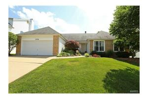 2154 Avalon Ridge Cir, Fenton, MO 63026