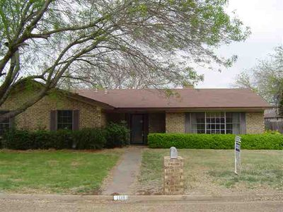 108 Houston St, Mc Gregor, TX