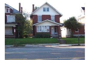 2519 W Broad St, Columbus, OH 43204