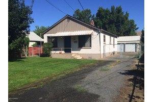 309 Thornton Ln, Yakima, WA 98901