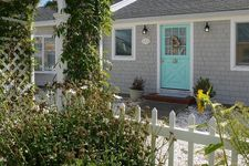 123 Bay Shore Rd, Hyannis, MA 02601