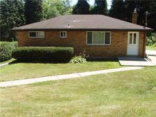 89 Thorncrest Dr, Kennedy Twp, PA 15136