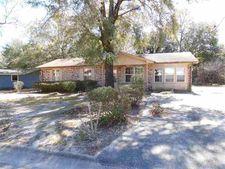 5949 Queen St, Milton, FL 32570
