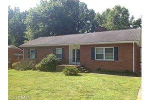 3013 Dellwood Dr, Greensboro, NC 27408