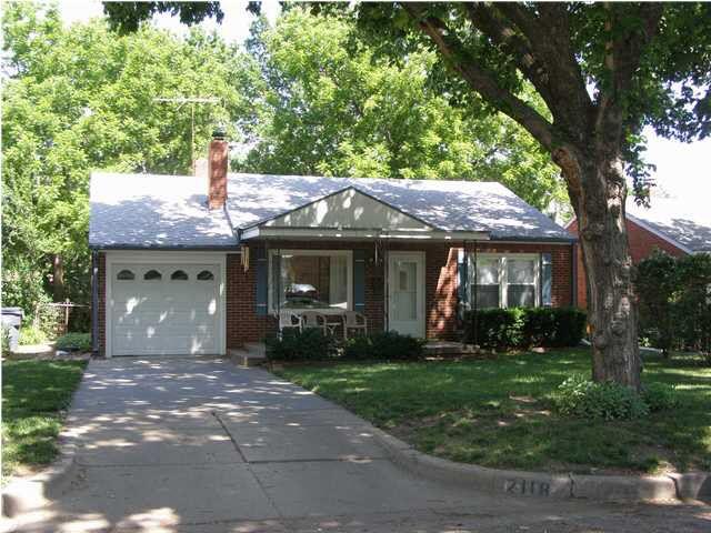2118 S Dellrose Ave Wichita, KS 67218