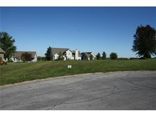 826 Willow Tree Ct, Higginsville, MO 64037
