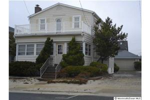 5 Brown Ave, Lavallette, NJ 08735