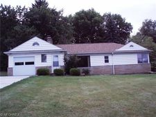 6332 Waldorf Pl, Independence, OH 44131