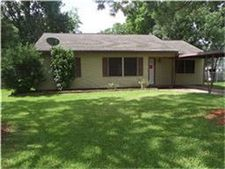 1024 Chevy Chase Dr, Angleton, TX 77515