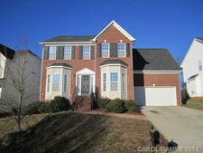 156 Riverfront Pkwy, Mount Holly, NC 28120