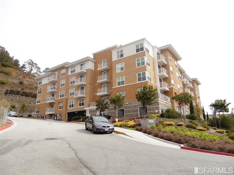 501 Crescent Way Apt 5207, San Francisco, CA 94134