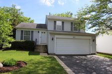 707 Grandview Dr, Crystal Lake, IL 60014
