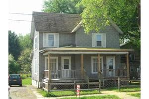 90 E Hanover St, Wellsville, NY 14895