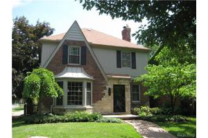 244 McKinley Ave, Grosse Pointe Farms, MI 48236