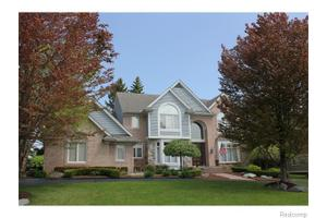 519 Brownley Ct, Bloomfield Township, MI 48304
