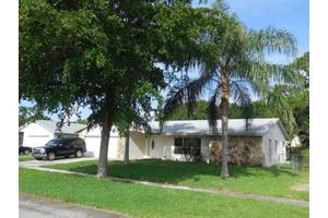 4687 Blue Pine Cir, Lake Worth, FL 33463