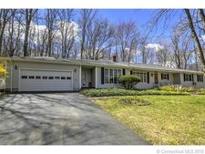 86 Crestwood Rd, Bethany, CT 06524