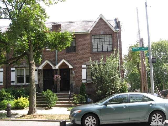 80-02 Park Ln S Woodhaven, NY 11421