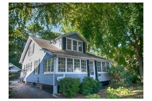 4 Roosevelt St, Norwalk, CT 06851
