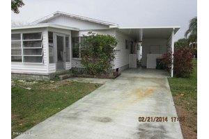 838 Hawthorn Cir, Barefoot Bay, FL 32976