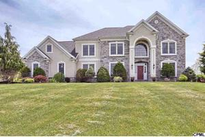 628 Southridge Dr, Mechanicsburg, PA 17055