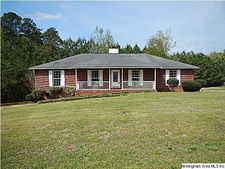 103 Indian Valley Dr, Sylacauga, AL 35150