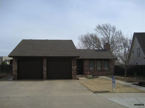 Photo of 3004 Blue Sage Dr, Woodward, OK 73801