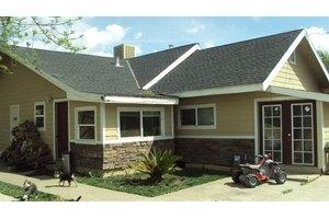 5727 Arboga Rd, Olivehurst, CA 95961