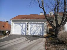 2424 Claymoor Dr, Chesterfield, MO 63017