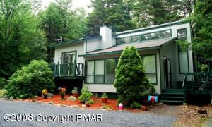 66 Millers Dr, Pocono Pines, PA