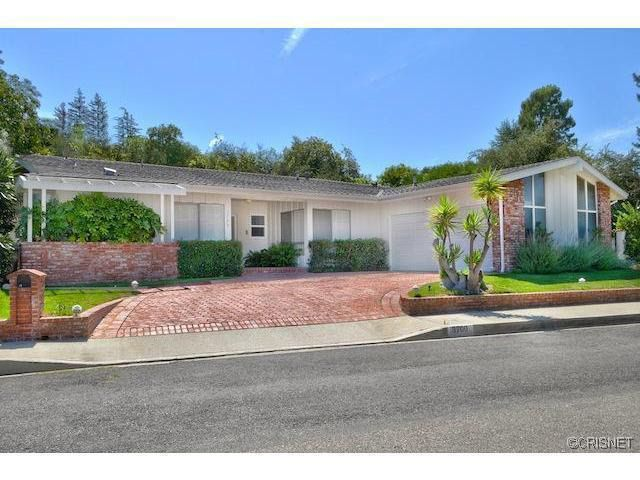3700 Regal Vista Dr Sherman Oaks, CA 91403
