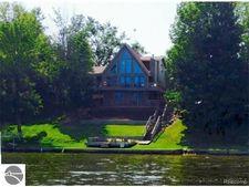 10823 Lakeside Dr, Perrinton, MI 48871