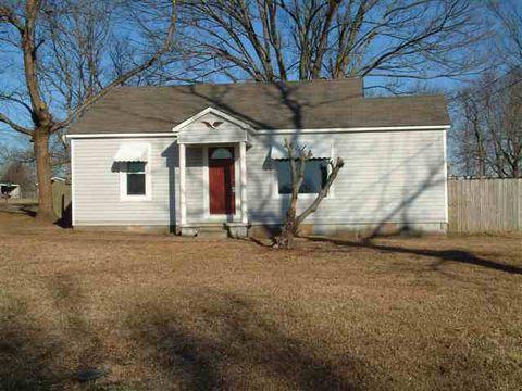 290 Brooks Rd, Atwood, TN 38220
