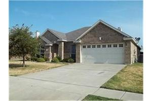 2208 Coopers Hawk Ct, Grand Prairie, TX 75052