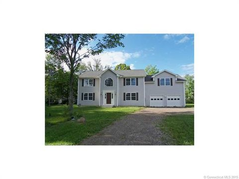 34 Fawn Meadow Dr, Naugatuck, CT 06770