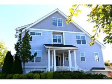 401 Waterview Dr, Poughkeepsie, NY 12601