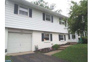 130 Paul Rd, Morrisville, PA 19067