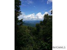 5 Bear Track Trl W, Maggie Valley, NC 28751