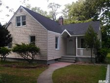 125 Washington Ave, Amityville, NY 11701
