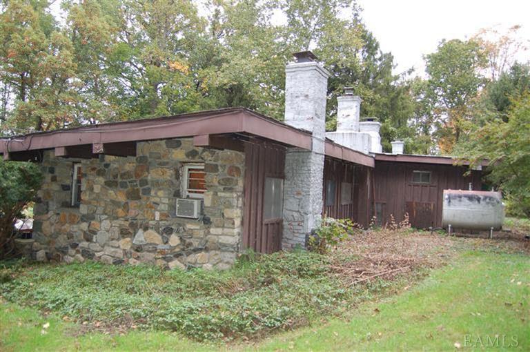 24 Waterbury Pkwy, Cortlandt Manor, NY 10567