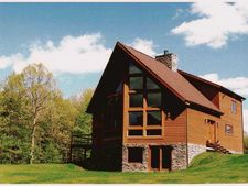 228 Camelot Rd, Worth Twp - But, PA 16051
