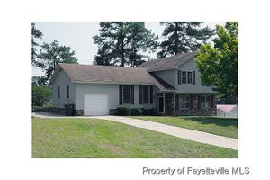 1518 Boswell Ct, Fayetteville, NC 28303