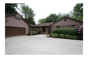 2420 Forest Glen Rd, Madison, OH 44057