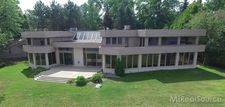 3591 Loch Bend Dr, Commerce, MI 48382