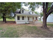 20727 S Lewis Ave, Mounds, OK 74047